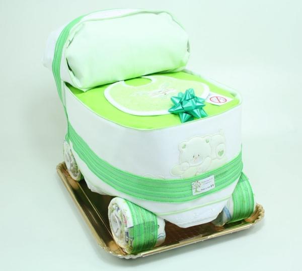 Immagine di Torta di Pannolini Carrozzina con parure lettino